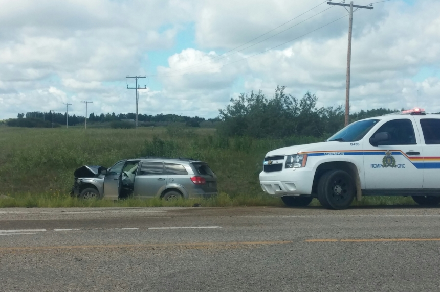 Multiple people sent to hospital after accident on Saskatoon's Valley Road