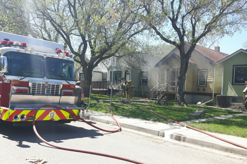 Fire breaks out in basement of North Central Regina home