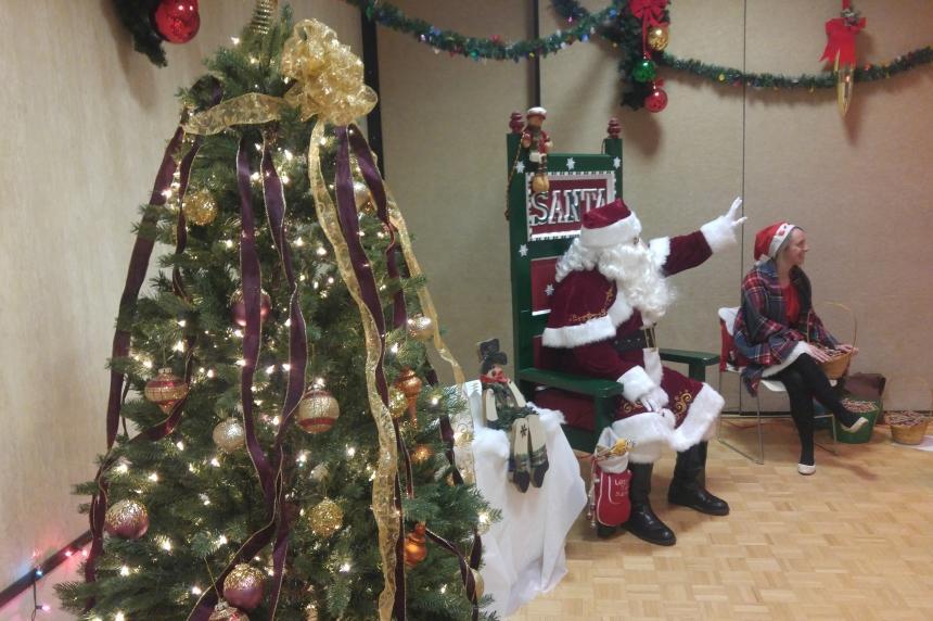 'Tis the season as Regina lights up city hall for Christmas