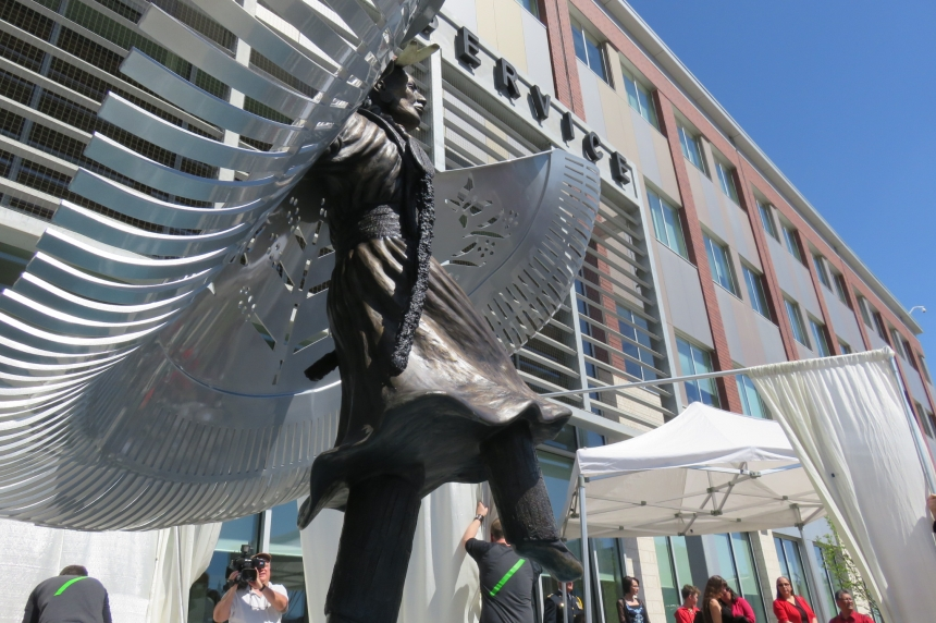 Monument to MMIW unveiled at Saskatoon police HQ