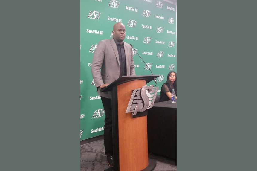 Quarterback Vince Young signs 1-year contract with Roughriders