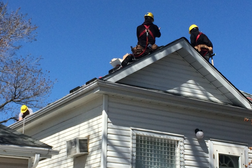 Regina Trades and Skills Centre students do free roofing work for single mom