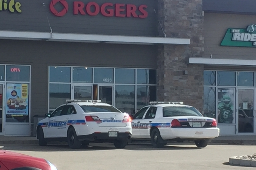 5 men arrested in connection with Rogers store robbery in Regina