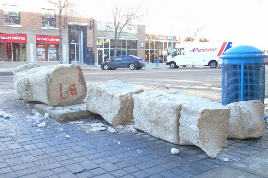 PHOTOS: Downtown Saskatoon sculpture knocked over, left in pieces