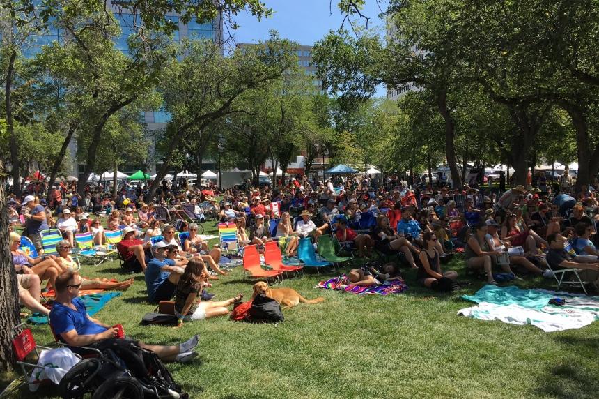 Good weather draws crowds to Regina Folk Festival