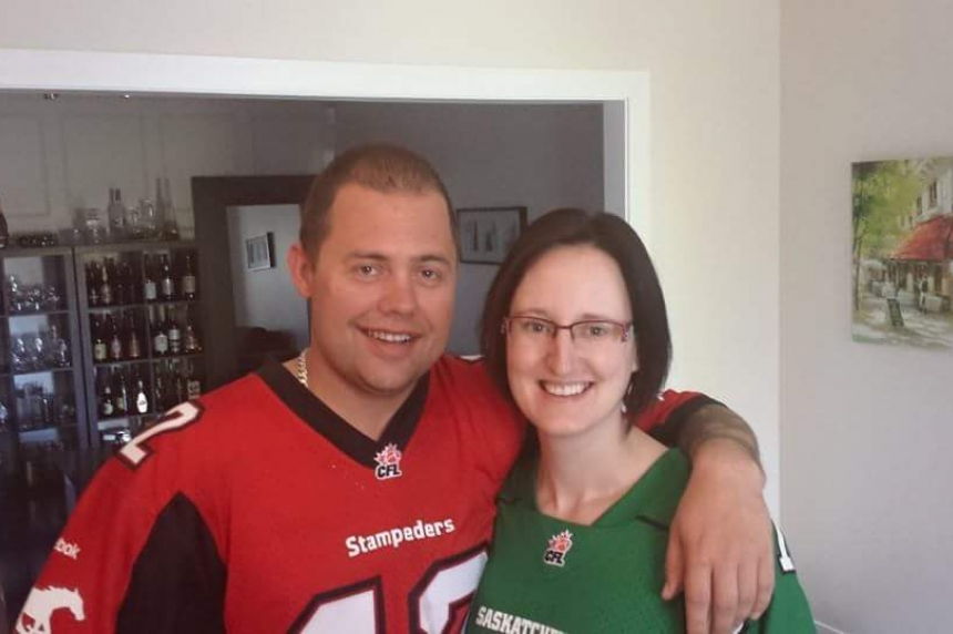 Regina woman honouring late fiancé by going to Rider game