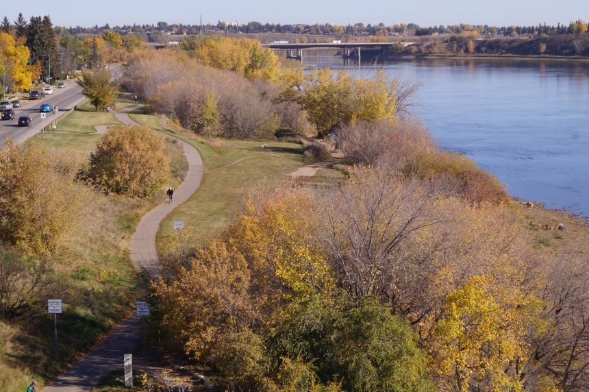 Warm, dry conditions expected through fall: Meteorologist