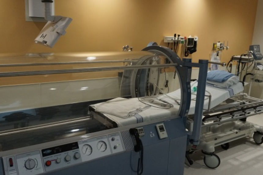New hyperbaric chamber opens at Moose Jaw hospital