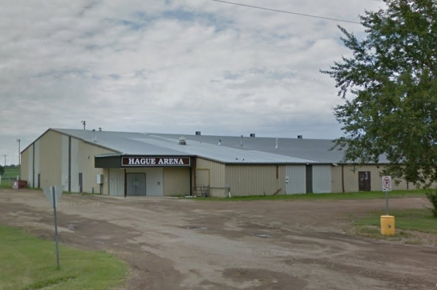 Sask. minor hockey refs suspended for ending game over alleged fan abuse