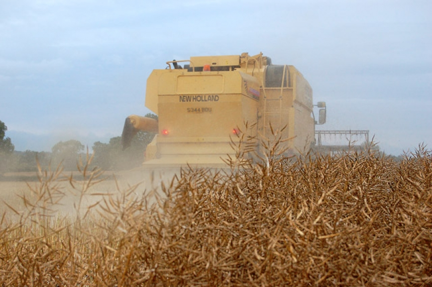 Good weather helps farmers make dent in 2018 harvest