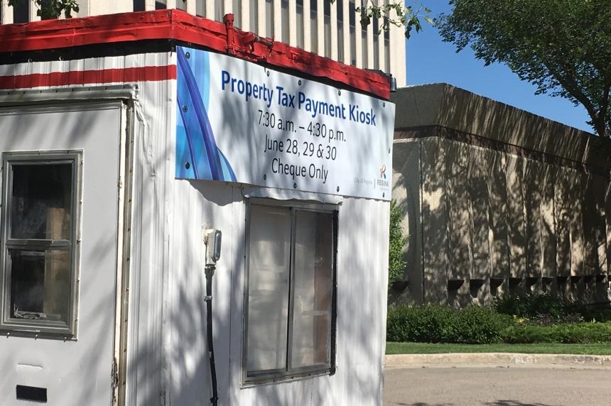 City of Regina opens payment kiosk ahead of Thursday's property tax deadline