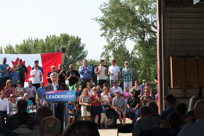 Stephen Harper makes Sask. stop for Conservative campaign