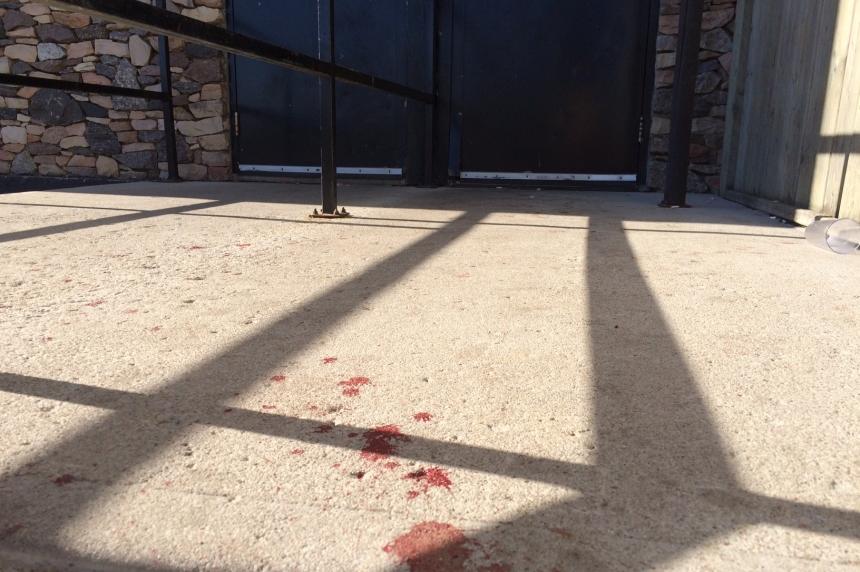2 hurt in shooting inside Regina bar