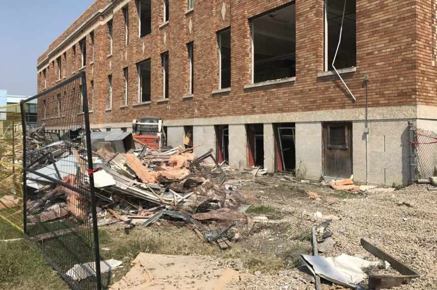 Demolition begins at Regina's Scott Collegiate