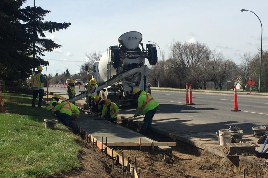 Regina road and sewer construction begins