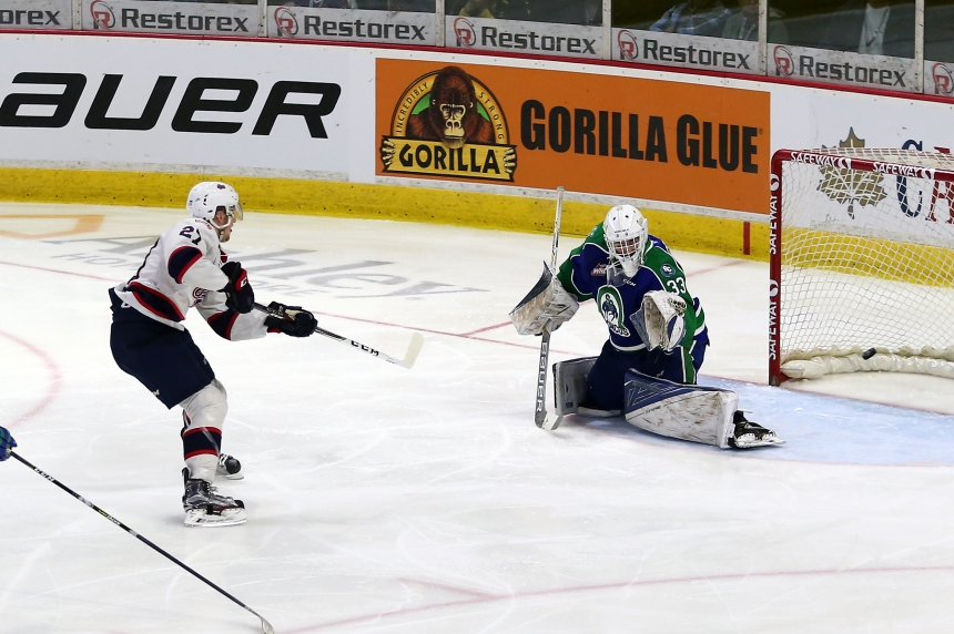 Pats outwork the Broncos 5-3 to force Game 7