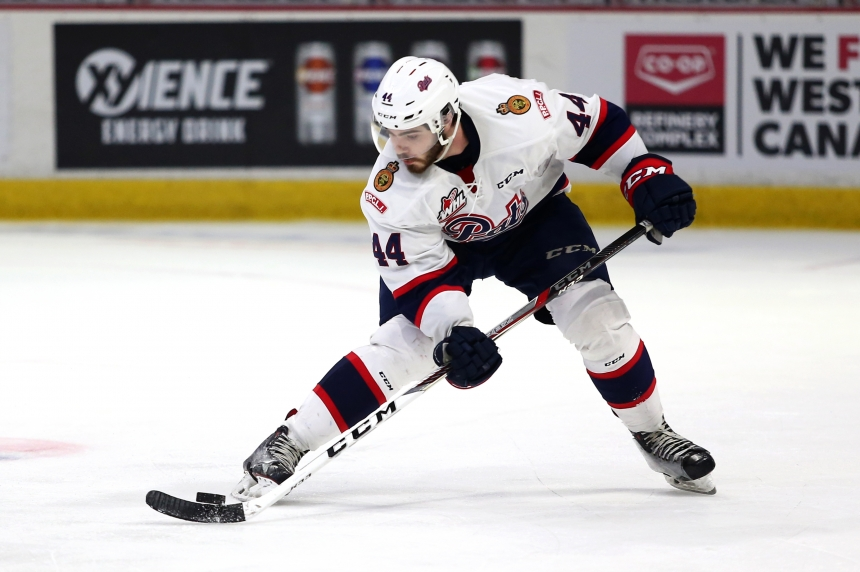 Pats lose game 1 of WHL Finals 2-1, Brooks leaves injured