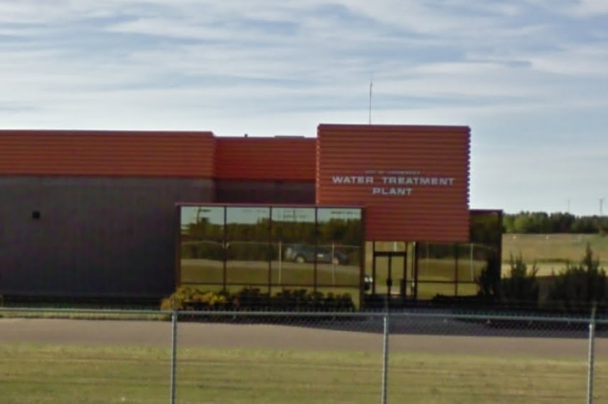 Oil spill in Lloydminster has crews working near wastewater treatment plant