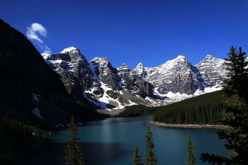 Saskatoon man drowns after falling from canoe in Alberta lake