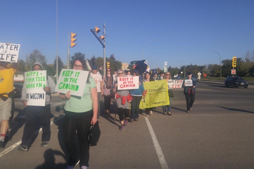 Rally against TransCanada's Energy East pipeline held in Regina