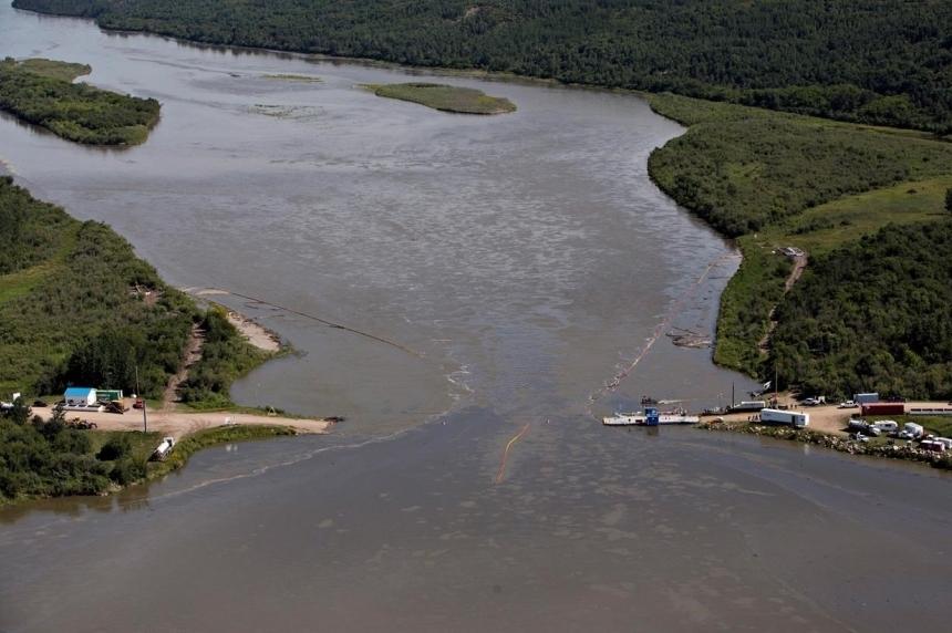 Sask. poll: 47 per cent approve of handling of Husky Energy oil spill