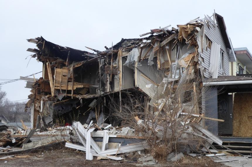 Abandoned, 'hazardous' Regina home torn down