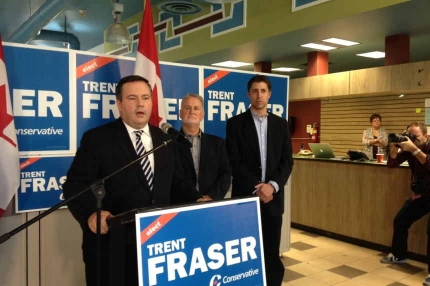 Jason Kenney stops in Regina to announce Conservative plan to expand military special forces
