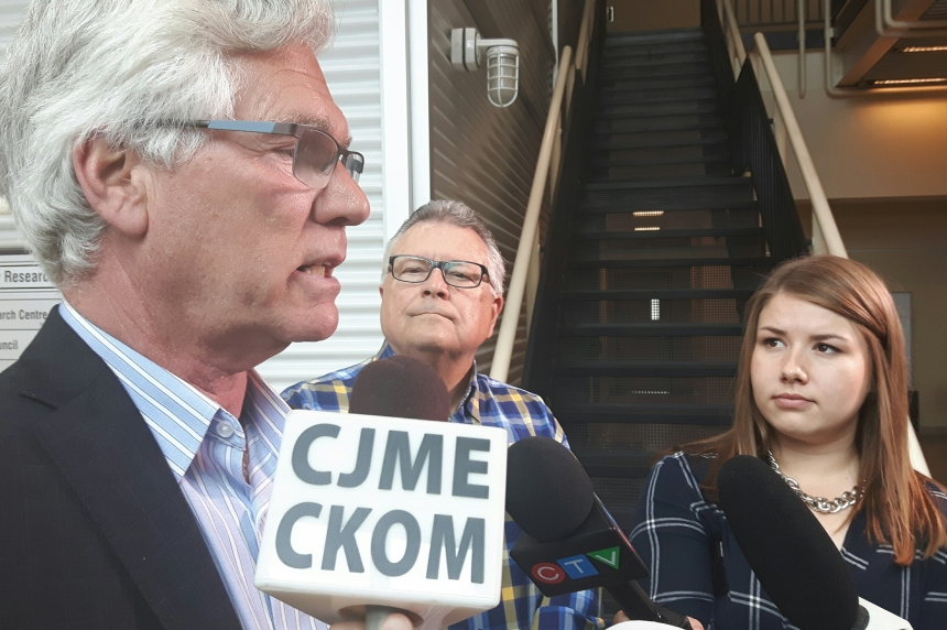 Federal natural resources minister hails carbon capture technology at Boundary Dam