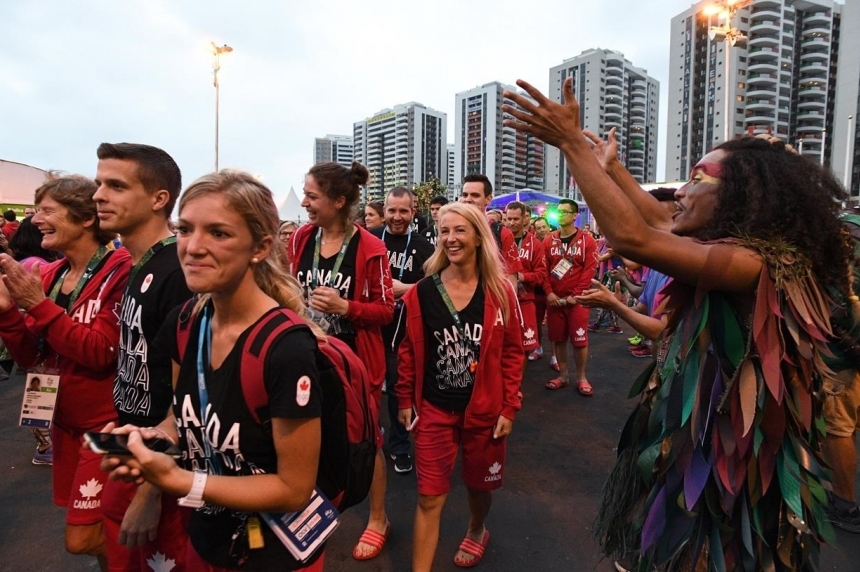 Canadian Olympic team settles into athletes' village in Rio with samba and song