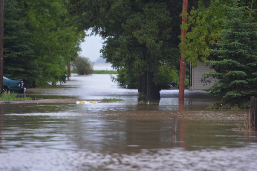 Sask. First Nation moves 200 'health priority' evacuees as water levels rise