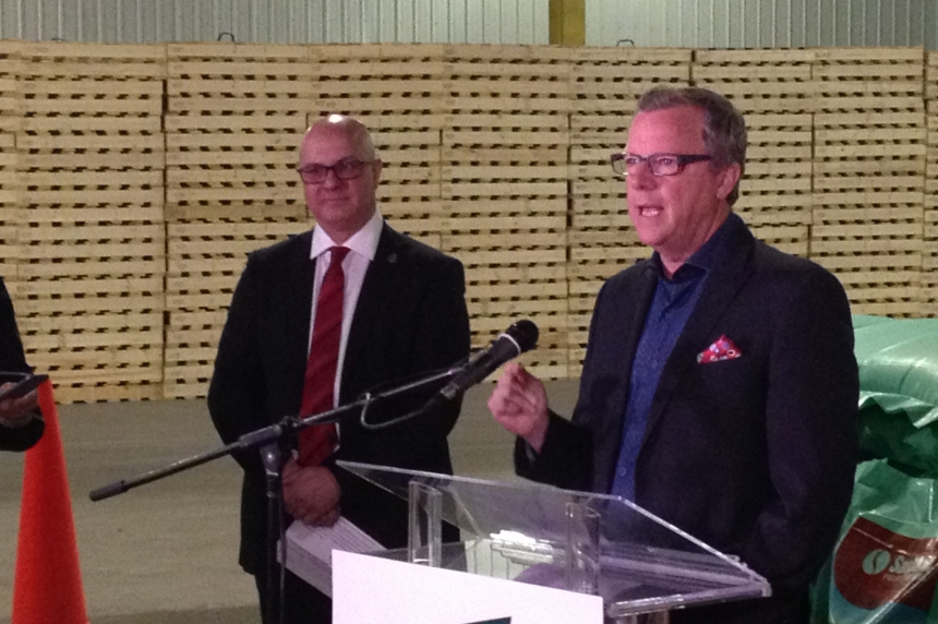 Brad Wall says Sask. still has pull with federal government