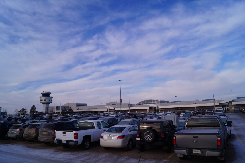 Saskatoon airport to provide valet parking by 2018