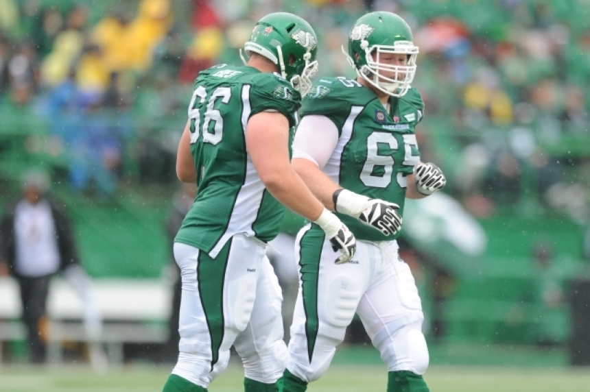 Chris Best signs contract extension with Riders