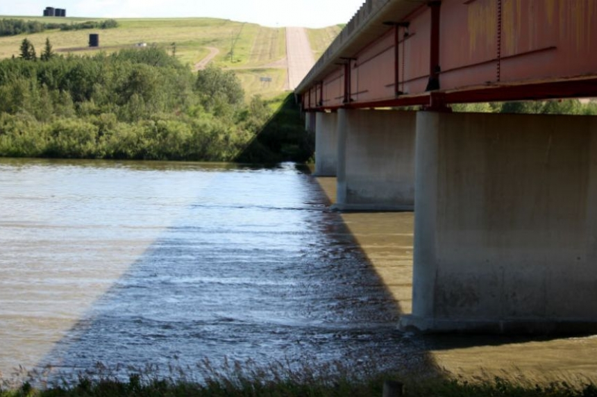 Heavy rain in Alberta pushes North Saskatchewan River level higher