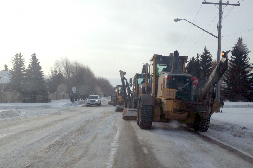 Taxis, couriers open to snow removal review