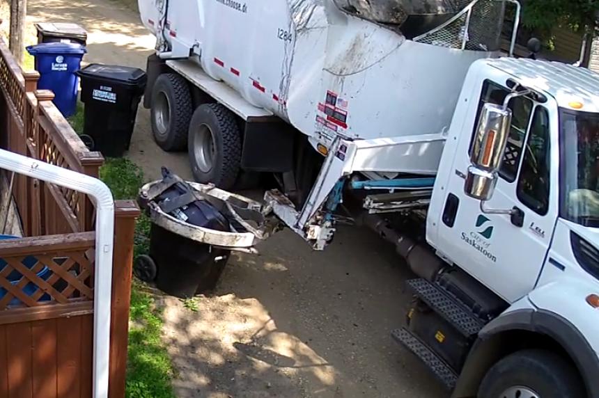 VIDEO: Saskatoon garbage truck crushes bin