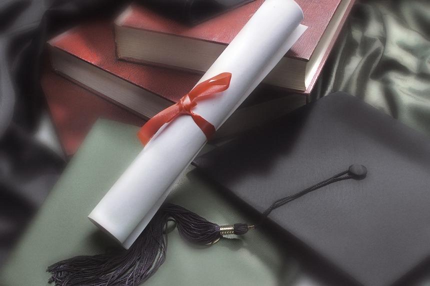 Families look for alternatives after Regina graduation banquets cut by public high schools