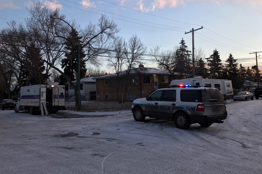 4 people charged with attempt to commit murder after assault, stand-off in Regina