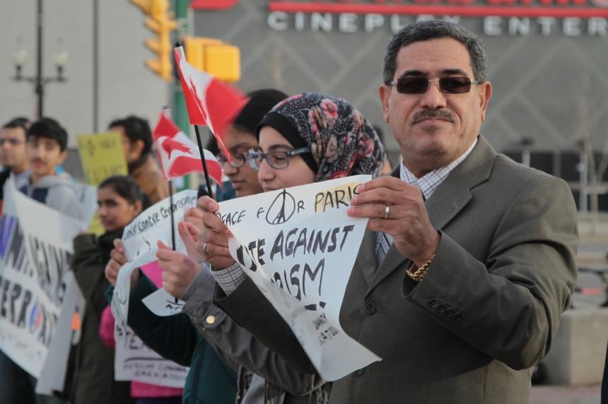 Saskatoon Muslims rally behind Paris
