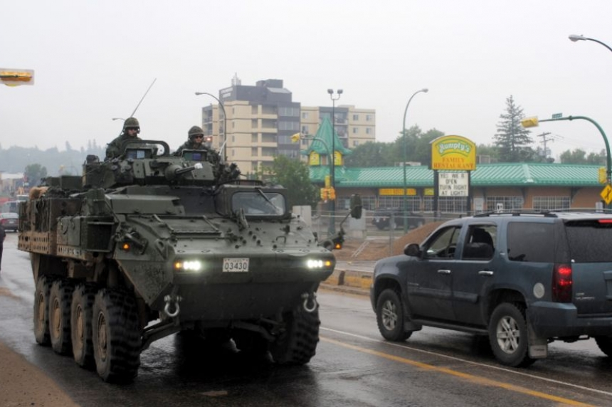 VIDEO: Military heading north to help fight Saskatchewan's wildfires