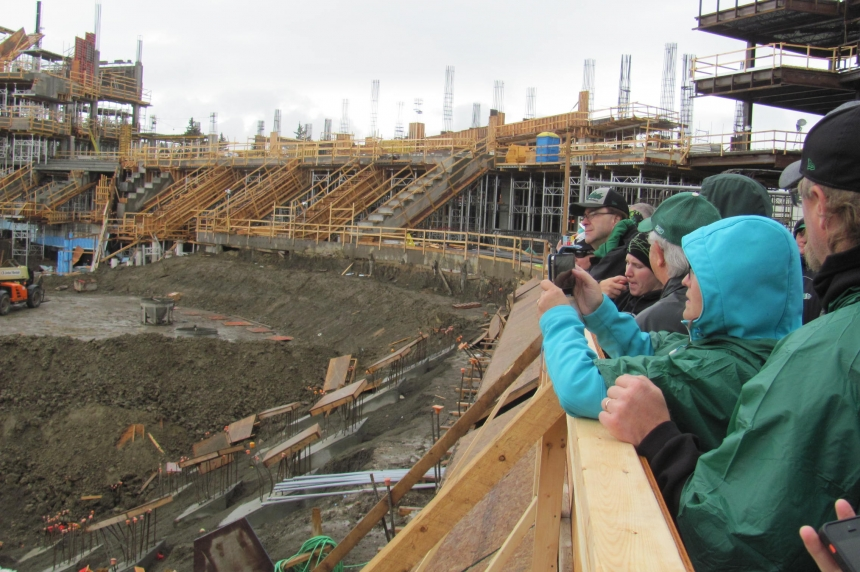 Reginans give thumbs-up to new stadium