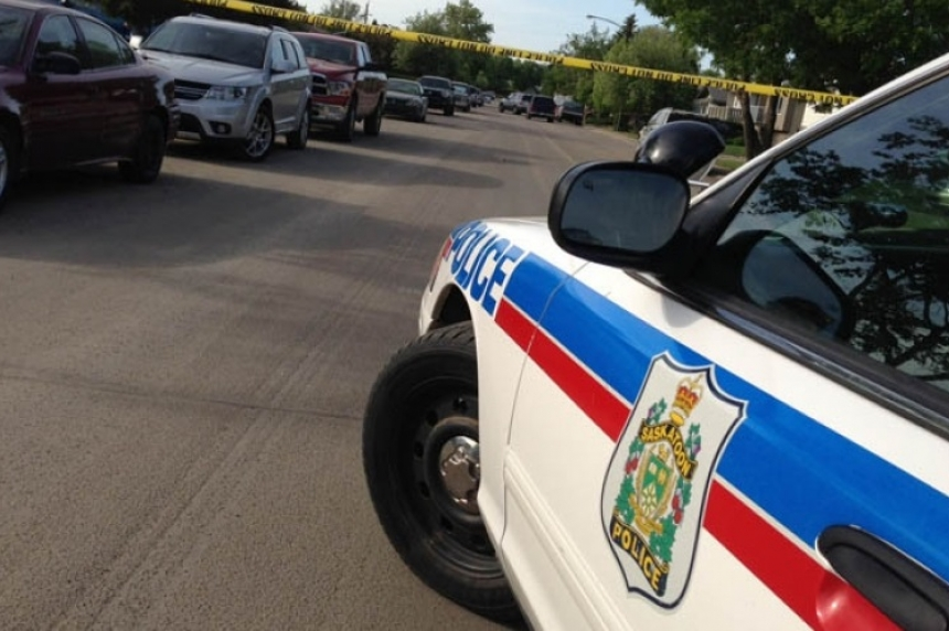 Supect gives up peacefully after tense situation in Mount Royal neighbourhood