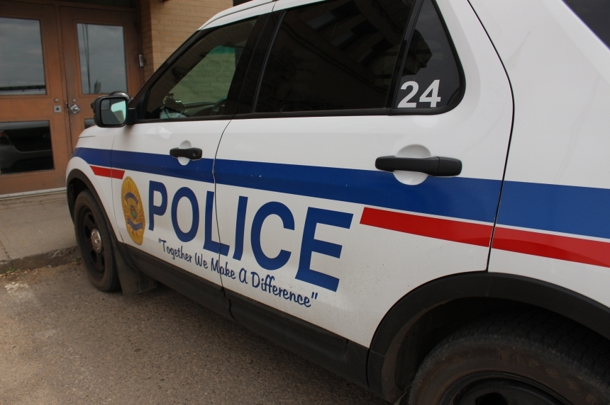 Woman arrested for assault with a knife in Moose Jaw