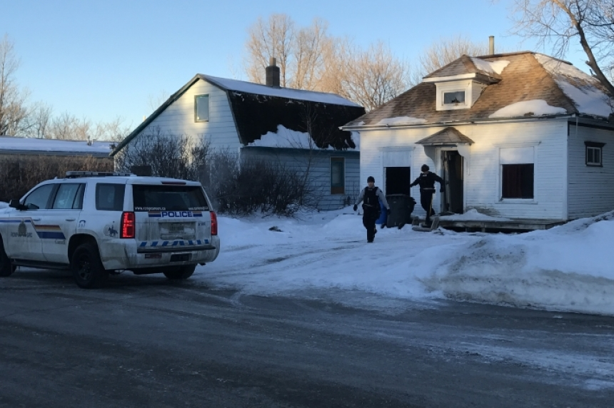 3 men arrested after RCMP search homes in Stoughton