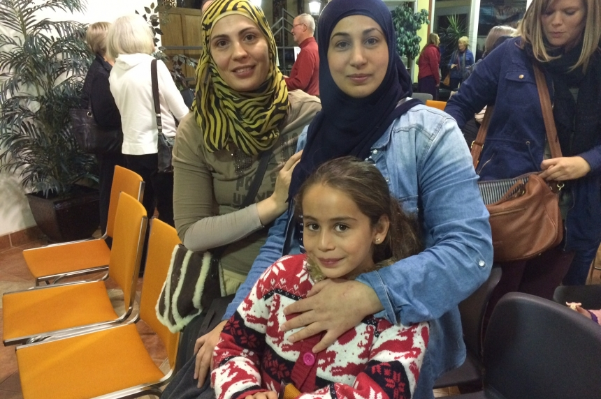 Syrian woman trying to reunite her family in Saskatoon