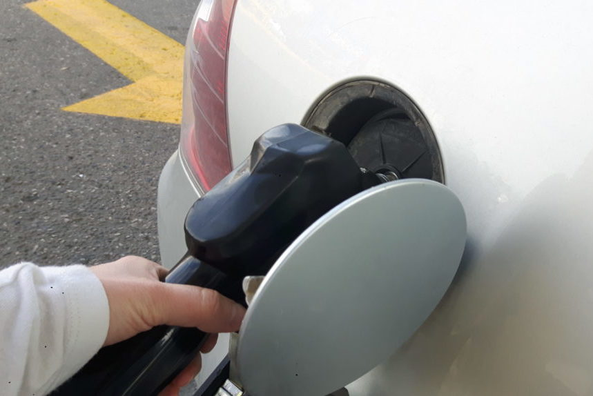 Gas prices remain high over long weekend