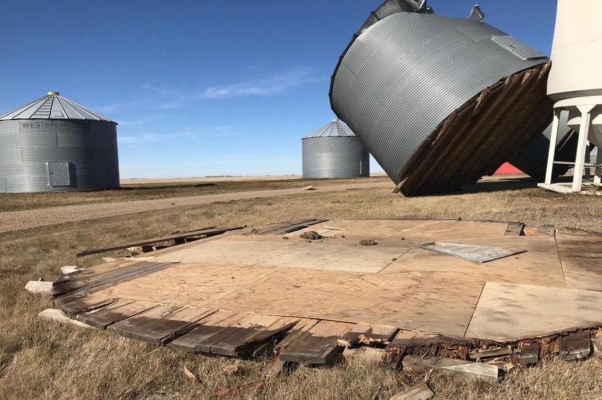 131 km/h wind gusts leave trail of damage in Moose Jaw