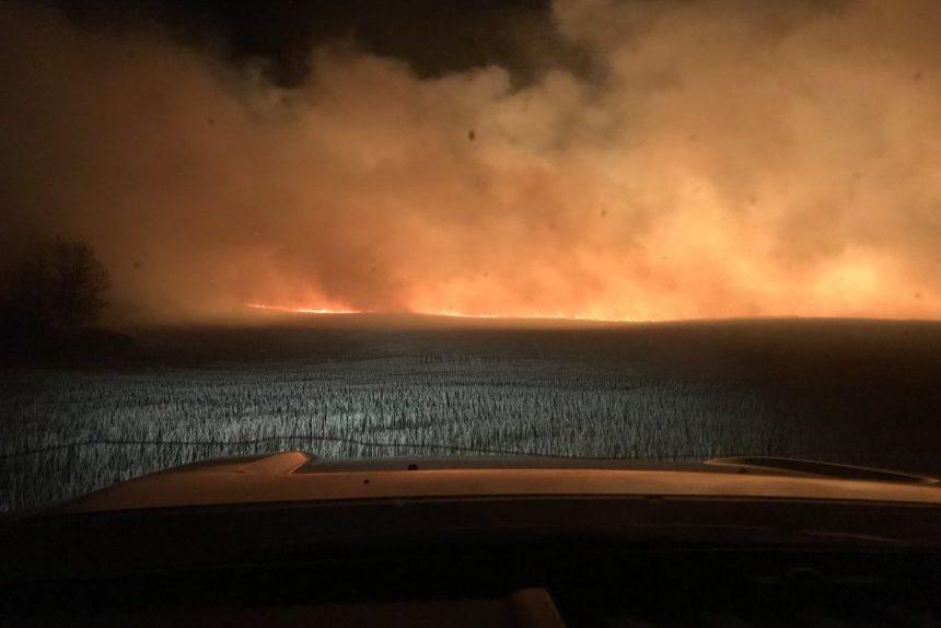 Alberta fireman dies battling wildfire; 2 men injured in Saskatchewan
