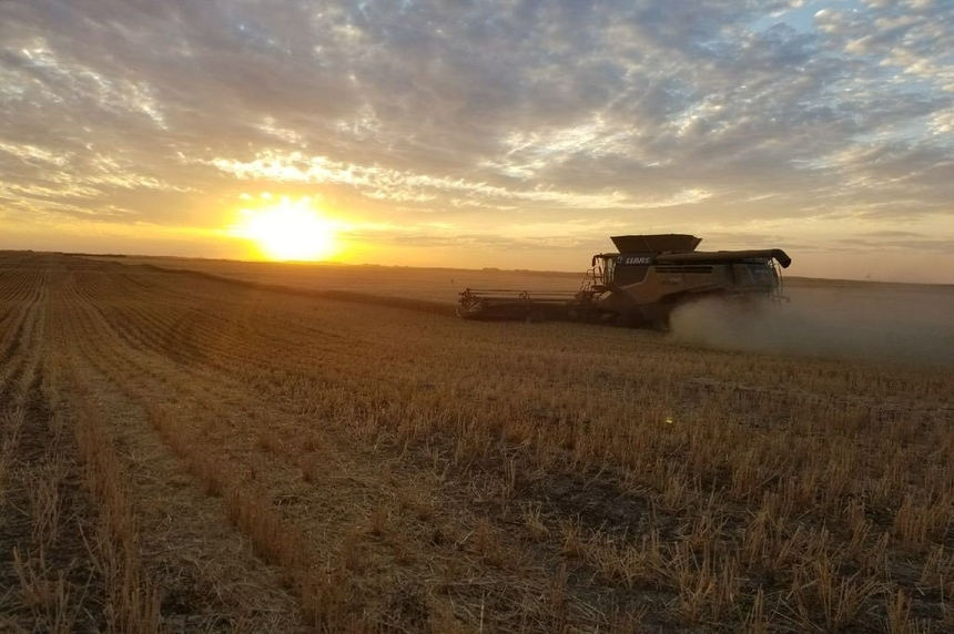 Farmers close to finishing harvest thanks to warm, dry weather