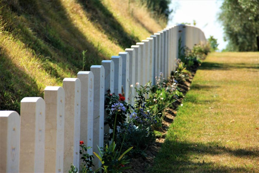 Regina project brings photos of Sask. soldiers' graves home
